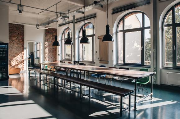 Ess- und Meetingtisch