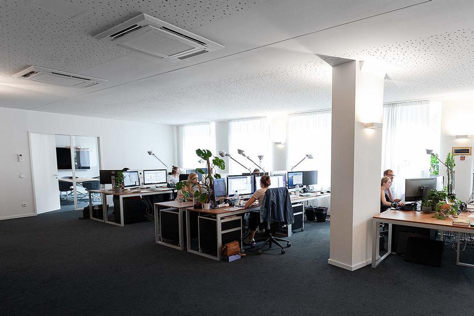 Designer & Social Team
