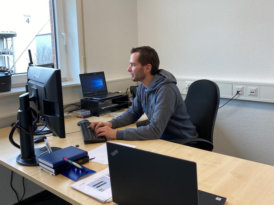 Büro mit Stefan