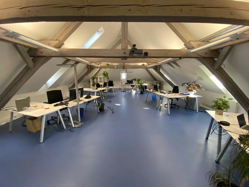 Unsere offenen Büroräume unterm Dach (mit Klimaanlage ;-) in Reutlingen.