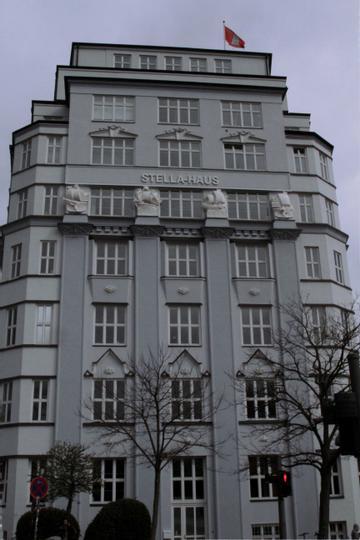 MOON VALLEY GmbH